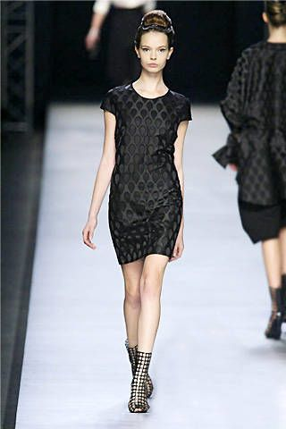 Yves Saint Laurent Spring 2009 Ready-to-wear Collections - 003