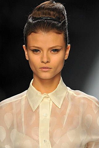 Yves Saint Laurent Spring 2009 Ready-to-wear Detail - 003