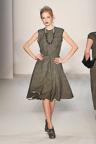 Clothing, Leg, Sleeve, Shoulder, Dress, Human leg, Standing, Hand, Joint, White,