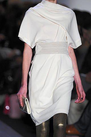 Clothing, Sleeve, Shoulder, Human leg, Joint, Dress, Fashion, Knee, Fashion model, Street fashion,