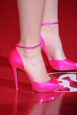 Footwear, High heels, Shoe, Red, Human leg, Sandal, Joint, Pink, Magenta, Toe,
