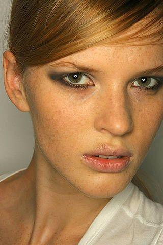 Lip, Cheek, Mouth, Hairstyle, Skin, Chin, Forehead, Eyelash, Eyebrow, Style,