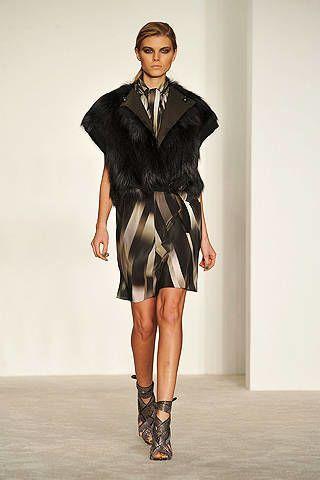 Clothing, Human, Sleeve, Human body, Shoulder, Fashion show, Collar, Joint, Human leg, Fashion model,