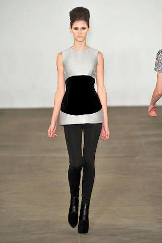 Human body, Sleeve, Shoulder, Standing, Joint, Style, Waist, Knee, Fashion, Neck,