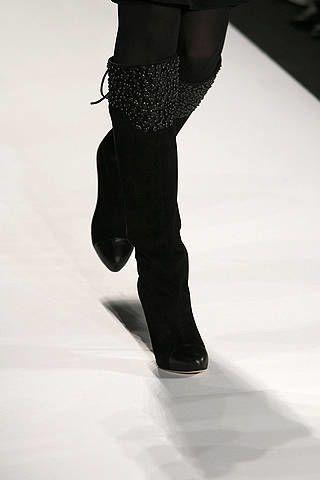 Standing, Human leg, Style, Monochrome, Black, Knee, Black-and-white, Monochrome photography, Leather, Pocket,