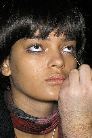 Finger, Lip, Cheek, Hairstyle, Skin, Eye, Chin, Forehead, Eyebrow, Eyelash,