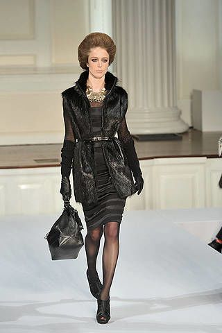 Clothing, Sleeve, Fashion show, Shoulder, Textile, Joint, Outerwear, Dress, Runway, Style,
