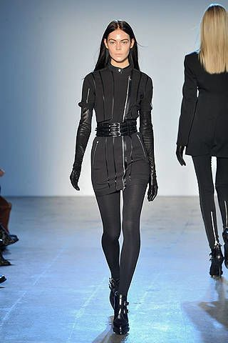 Sleeve, Shoulder, Joint, Style, Fashion model, Fashion, Neck, Black, Leather, Thigh,