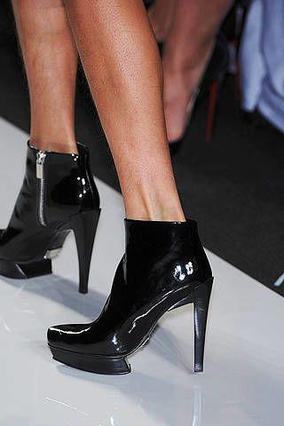 Footwear, High heels, Human leg, Joint, Sandal, Style, Fashion, Foot, Basic pump, Black,
