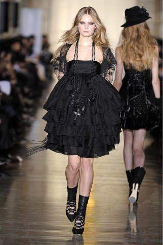 Clothing, Dress, Hat, Style, Formal wear, Fashion, Black, Fashion model, Sun hat, Little black dress,