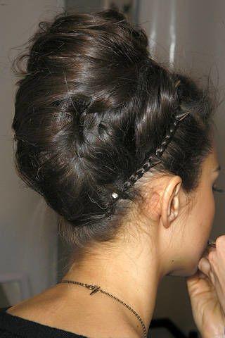 Hair, Ear, Hairstyle, Skin, Chin, Forehead, Style, Earrings, Hair accessory, Organ,