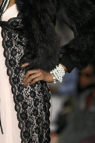 Textile, Style, Fashion, Black, Natural material, Pattern, Fur, Fur clothing, Animal product, Fashion design,