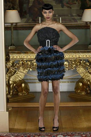 Clothing, Leg, Dress, Human leg, Shoulder, Joint, Style, One-piece garment, Hat, Fashion accessory,
