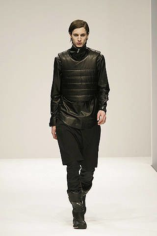 Human, Sleeve, Human body, Shoulder, Textile, Joint, Standing, Fashion show, Style, Fashion model,
