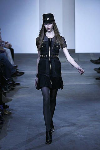 Dress, Style, Fashion model, Fashion show, Fashion, Black, Knee, Youth, Black hair, Street fashion,