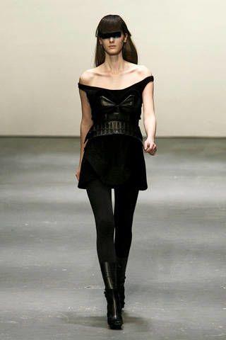 Human, Human body, Skin, Shoulder, Joint, Fashion show, Waist, Style, Fashion model, Fashion,
