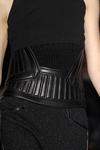 Shoulder, Textile, Joint, Waist, Standing, Dress, Style, Fashion, Neck, Pocket,