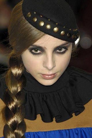 Lip, Hairstyle, Eyebrow, Style, Headgear, Eyelash, Fashion, Beauty, Costume accessory, Eye liner,