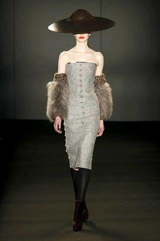 Shoulder, Joint, Hat, Style, Headgear, Fashion, Grey, Fashion model, Fur, Costume design,