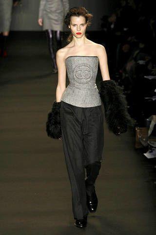 Clothing, Human body, Fashion show, Shoulder, Joint, Waist, Fashion model, Style, Runway, Fashion,