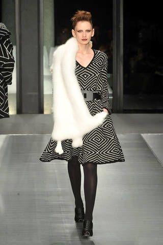 Clothing, Shoulder, Textile, Joint, White, Human leg, Dress, Style, Formal wear, Fashion model,