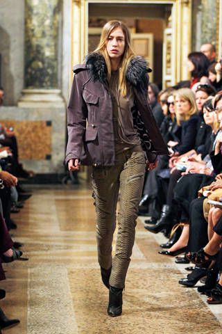 Clothing, Footwear, Leg, Brown, Trousers, Jacket, Fashion show, Outerwear, Runway, Style,