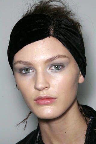 Nose, Lip, Cheek, Hairstyle, Chin, Forehead, Eyebrow, Eyelash, Style, Black hair,