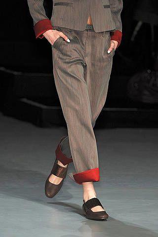 Footwear, Leg, Brown, Denim, Human leg, Shirt, Textile, Joint, Pocket, White,