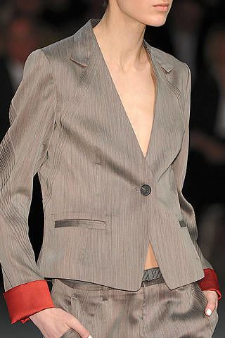 Clothing, Lip, Dress shirt, Collar, Sleeve, Shoulder, Shirt, Joint, Formal wear, Coat,
