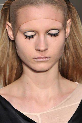 Lip, Cheek, Hairstyle, Chin, Forehead, Shoulder, Eyebrow, Eyelash, Style, Jaw,