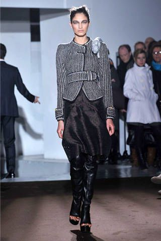 Clothing, Trousers, Fashion show, Joint, Outerwear, Style, Formal wear, Runway, Fashion model, Jacket,