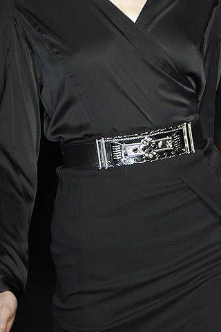 Clothing, Sleeve, Collar, Textile, White, Formal wear, Style, Fashion, Black, Pocket,