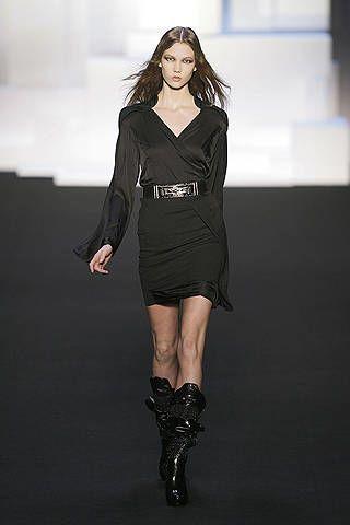 Clothing, Leg, Sleeve, Dress, Shoulder, Fashion show, Joint, Human leg, Style, Fashion model,