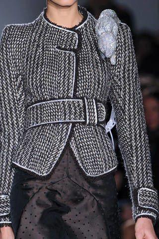 Sleeve, Shoulder, Textile, Joint, Collar, Pattern, Fashion, Street fashion, Black, Grey,
