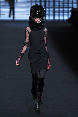 Human leg, Joint, Helmet, Knee, Thigh, Fashion, Street fashion, Fashion model, Waist, Tights,