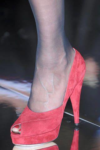 Human leg, Joint, Red, Carmine, Basic pump, High heels, Foot, Sandal, Ankle, Dancing shoe,