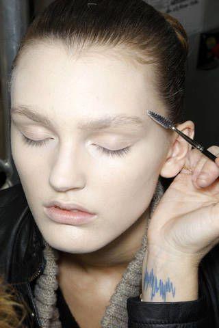 Lip, Hairstyle, Forehead, Eyelash, Eyebrow, Style, Organ, Beauty, Wrist, Fashion,