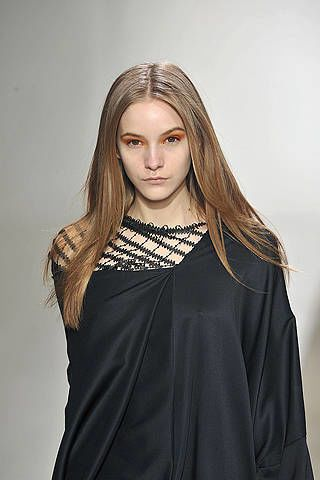 Clothing, Hairstyle, Sleeve, Shoulder, Style, Dress, Formal wear, Jewellery, Long hair, Fashion,
