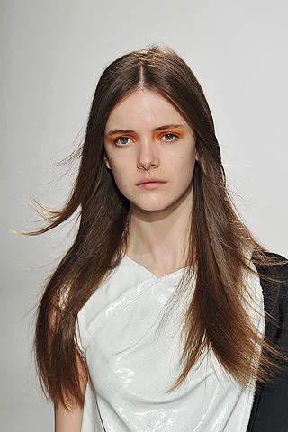 Lip, Hairstyle, Forehead, Shoulder, Eyebrow, Style, Eyelash, Jaw, Long hair, Beauty,