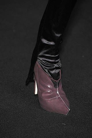 Textile, Style, Leather, Black, Grey, Dress shoe, Material property, Velvet, Dancing shoe, Silver,