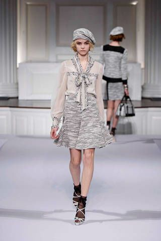Clothing, Fashion show, Leg, Sleeve, Event, Shoulder, Runway, Joint, Dress, White,