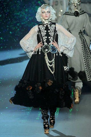 Clothing, Dress, Victorian fashion, Costume design, Formal wear, Fashion, Costume, One-piece garment, Gown, Day dress,