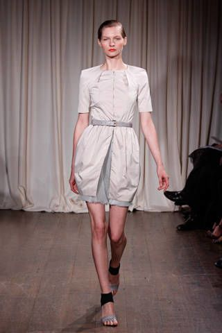 Sleeve, Human leg, Shoulder, Textile, Joint, Fashion show, Dress, Style, Curtain, Interior design,