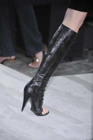 Leg, Human leg, Joint, Foot, Fashion, High heels, Leather, Black, Sandal, Knee,