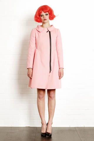 Clothing, Sleeve, Shoulder, Shoe, Collar, Textile, Standing, Joint, Coat, Style,