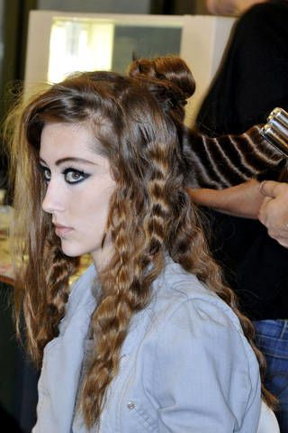Brown, Hairstyle, Eyebrow, Style, Long hair, Brown hair, Beauty, Fashion, Eyelash, Hair coloring,
