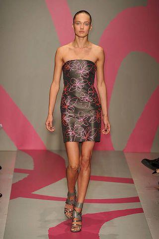 Clothing, Dress, Shoulder, Joint, Fashion show, Style, Fashion model, One-piece garment, Runway, Fashion,