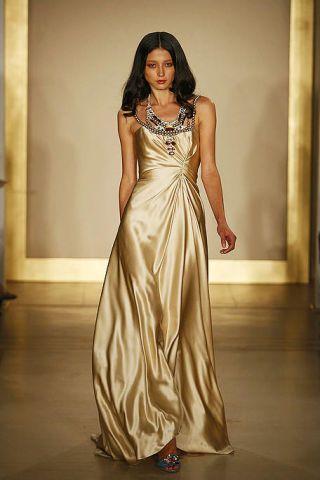 Brown, Shoulder, Dress, Textile, Formal wear, Gown, Style, One-piece garment, Floor, Fashion model,