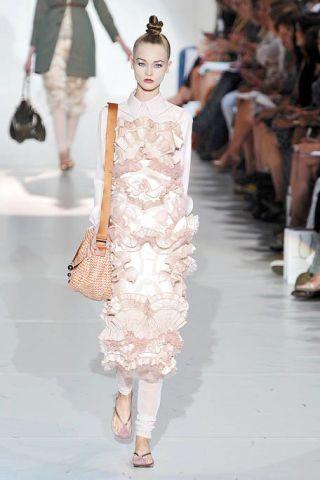 Clothing, Footwear, Leg, Shoulder, Dress, Fashion show, Joint, Style, Fashion model, Runway,