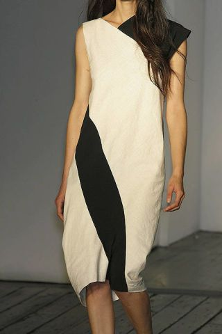 Clothing, Leg, Sleeve, Human leg, Dress, Shoulder, Floor, Joint, White, Standing,